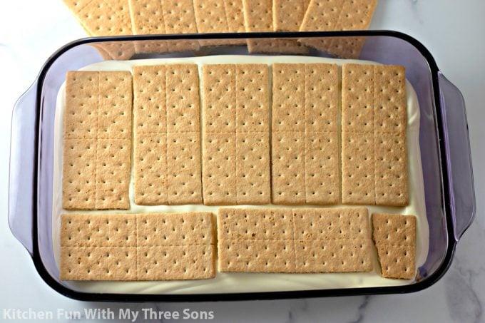 next layer of graham crackers