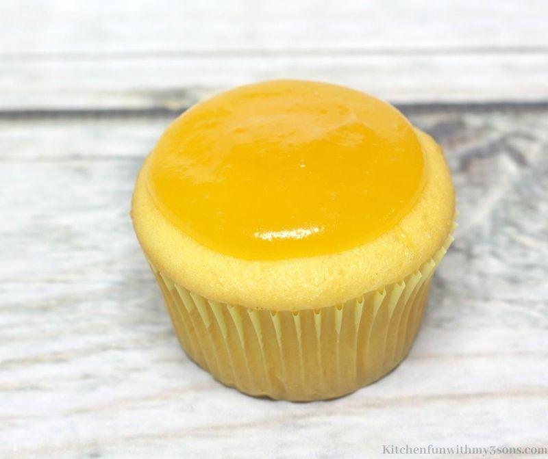 cupcake with lemon filling