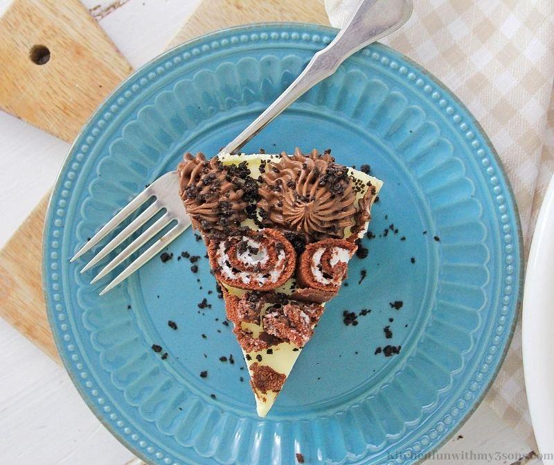 Swiss Cake Roll Cheesecake