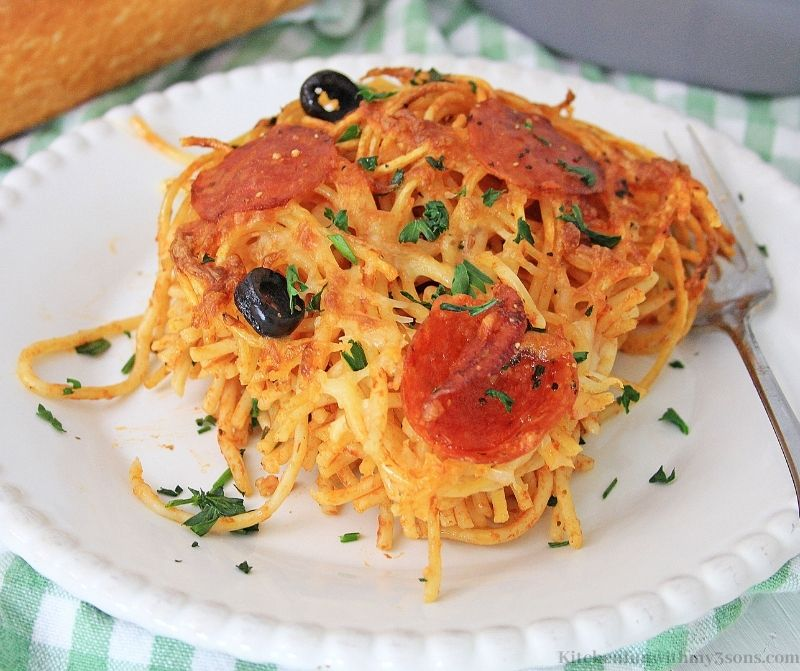 Close up picture of the Air Fryer Pizza Pasta Recipe.