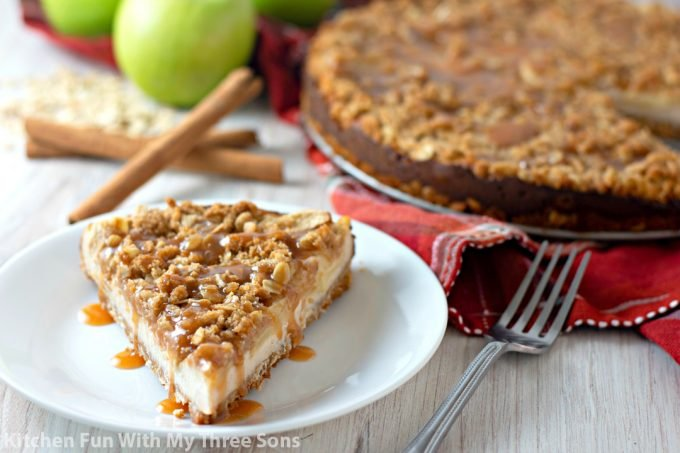 Caramel Apple Crisp Cheesecake