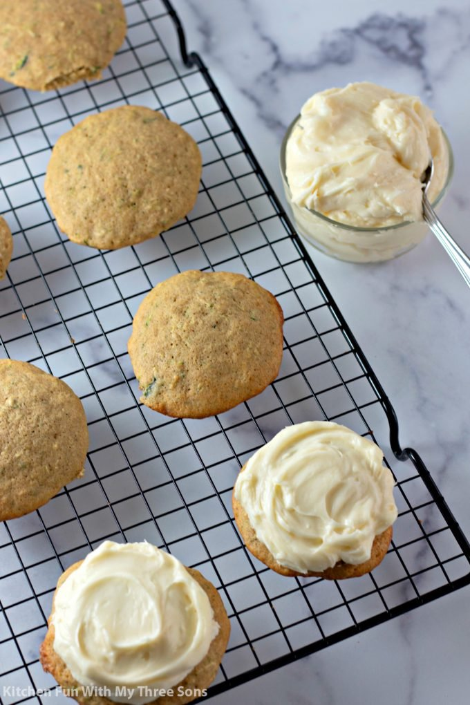frosting cookies with cream cheese icing