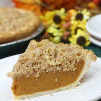 Delicious Pumpkin Streusel Pie
