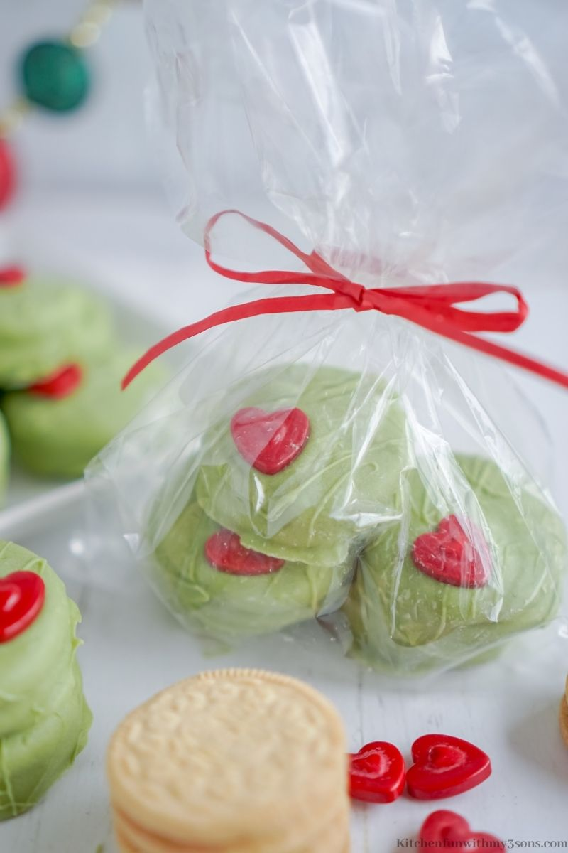 The Grinch No Bake Cookies in a gift bag.