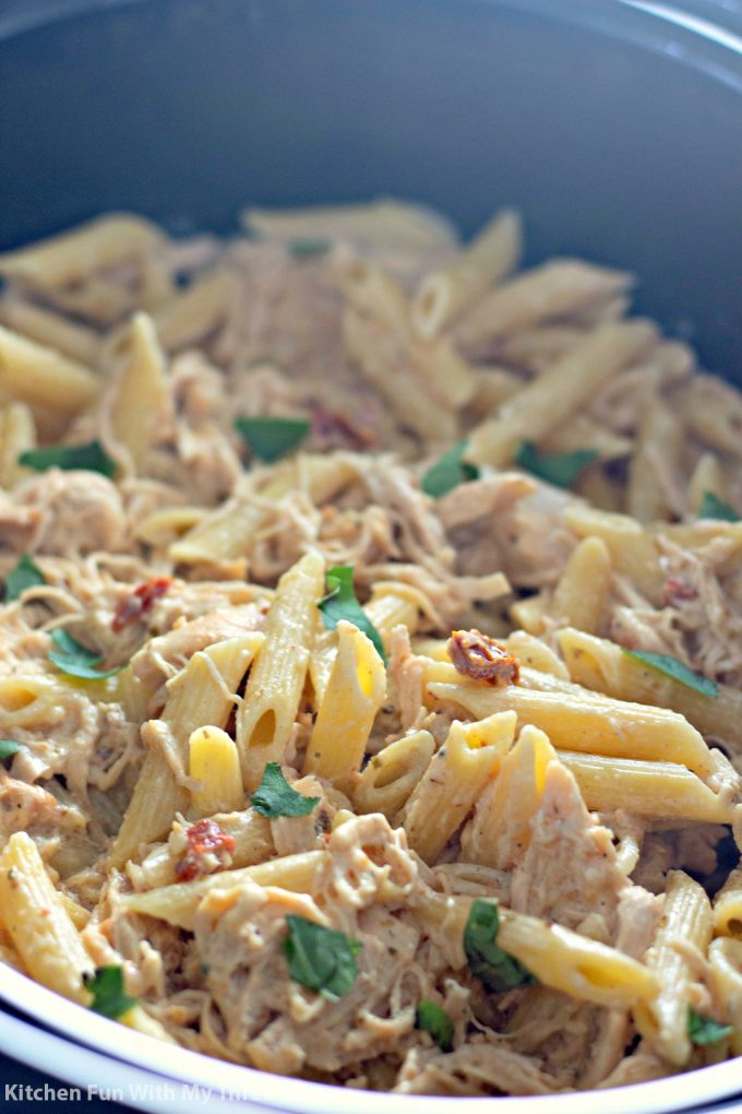 Slow Cooker Olive Garden Chicken Pasta