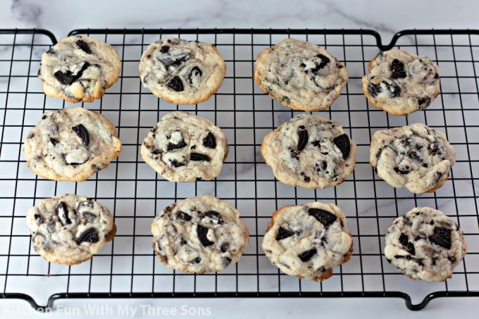 cookies on a wire cooling rack