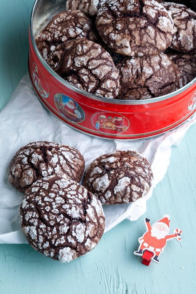 Chocolate Rum Crinkle Cookies