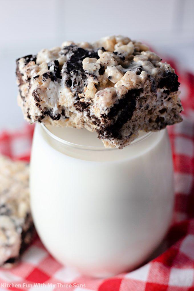 Oreo Rice Krispie Treats on a glass of milk