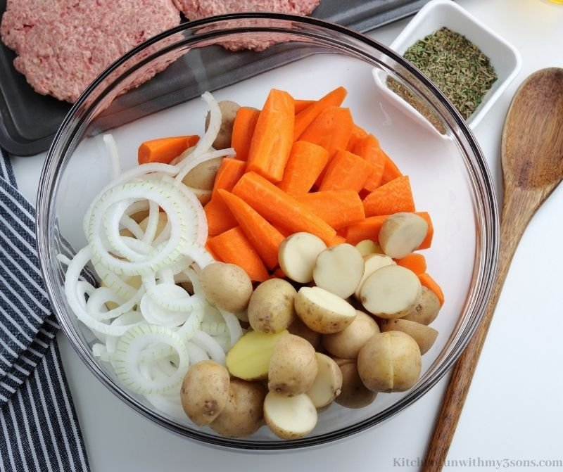 The prepped veggies in a bowl.