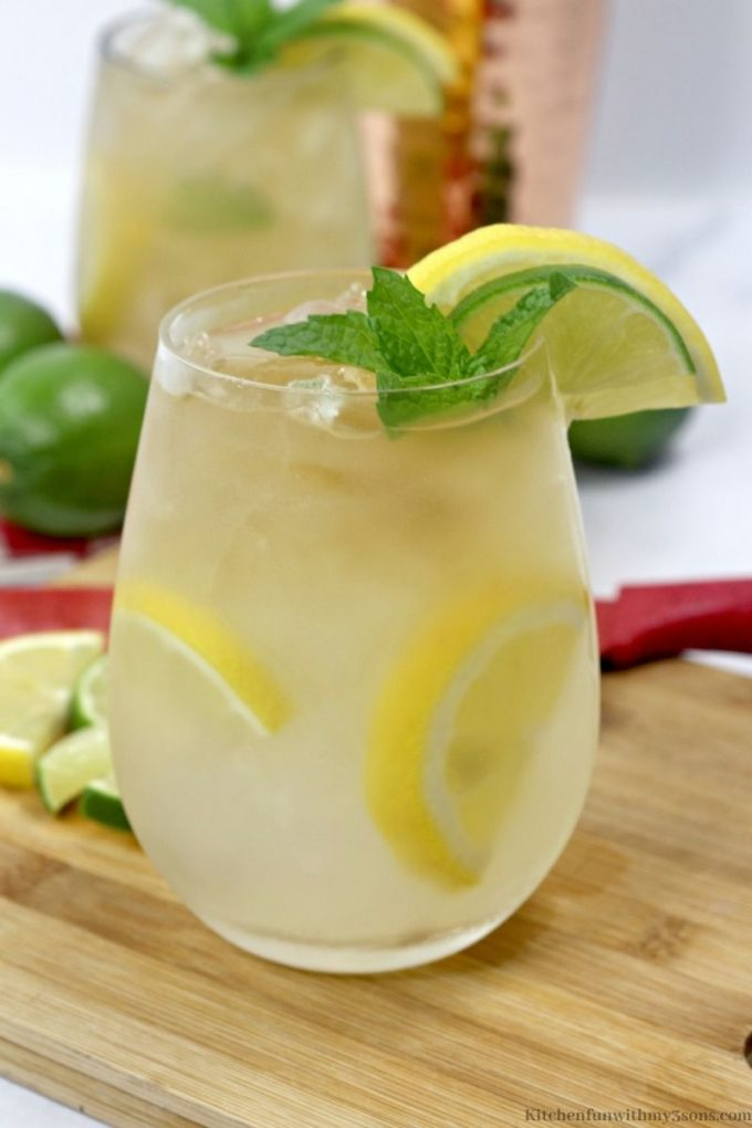 The lemonade cocktail in a serving glass.
