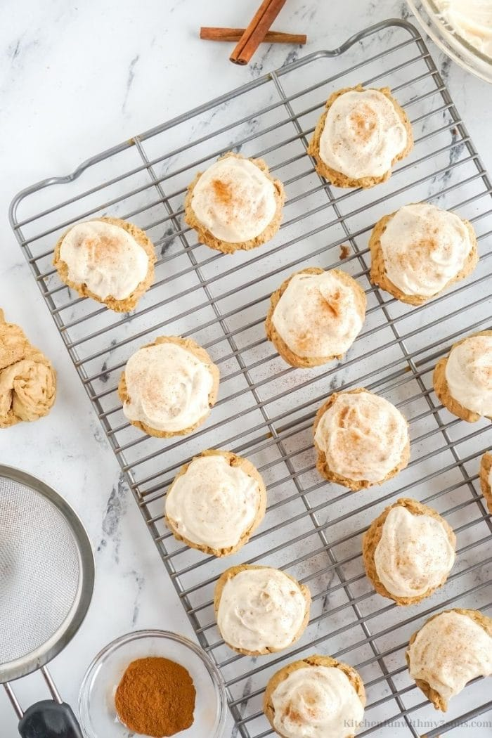 The cookies topped with cinnamon.