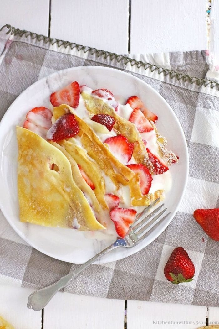 The crepes filled with filling.