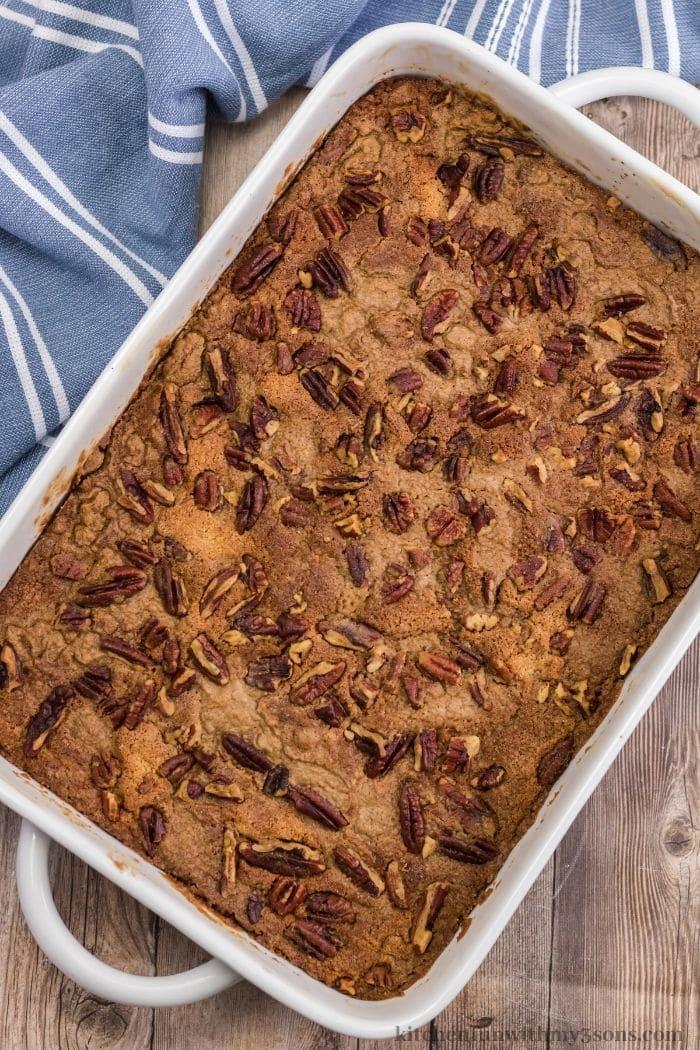Der gebackene Kürbis-Dump-Kuchen.